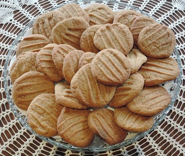 עוגיות חמאת בוטנים משלושה מצרכים | תמונה: shutterstock