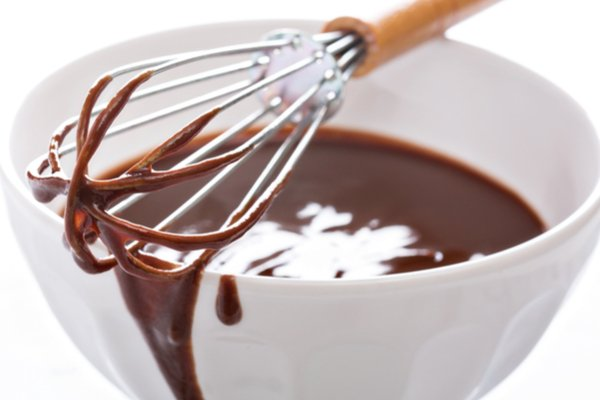 הכנת גנאש שוקולד | תמונה: shutterstock