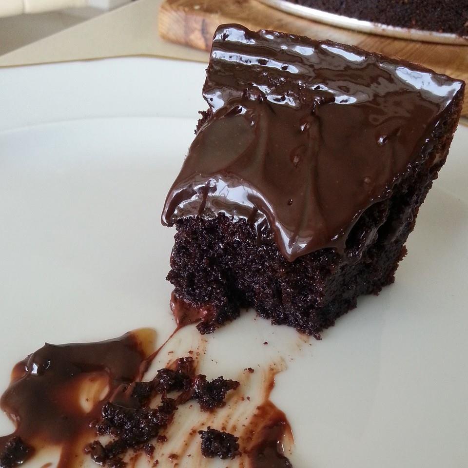 עוגת שוקולד בחושה בלי קמח