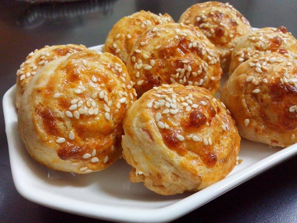 שבלולי גבינות ושום