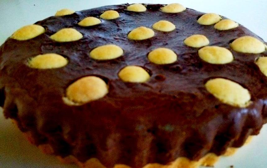 עוגת טחינה מנוקדת עם תחתית בצק