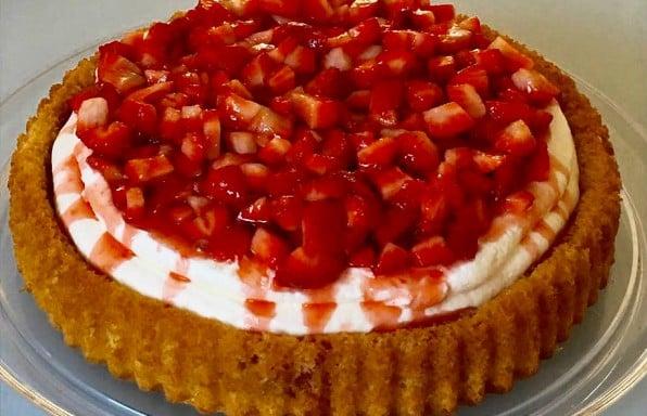 עוגת תותים • 6 עוגות מושקעות (מיוחדות לאירוח)