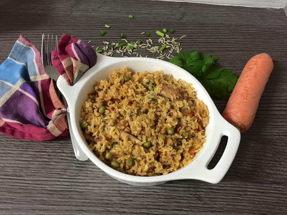 אורז מלא עם חזה עוף וירקות