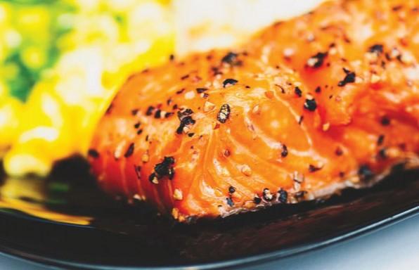 דג סלמון אפוי בתנור • מתכון מנצח + 4 טיפים להצלחה