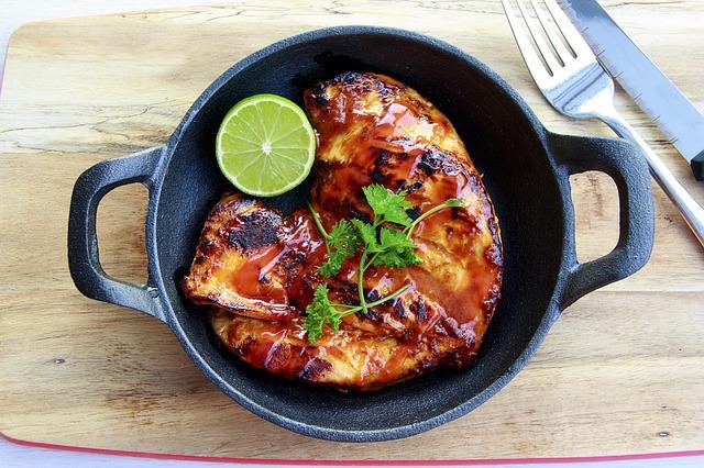 עוף צלוי ללא גלוטן במסעדה בברצלונה