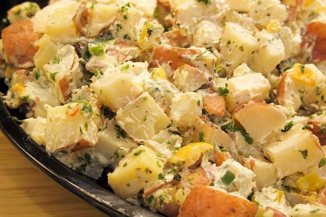 סלט תפוחי אדמה יווני