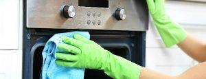 איך לנקות את התנור ב-8 צעדים פשוטים