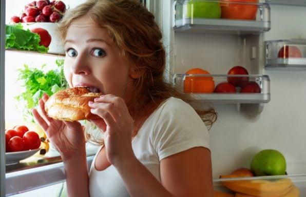 רעב מוגבר בלילה • 7 הסיבות הנפוצות