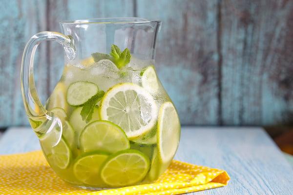 מים עם לימון ונענע לירידה במשקל