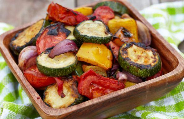 אנטיפסטי בתנור • מתכון לירקות אפויים ופריכים