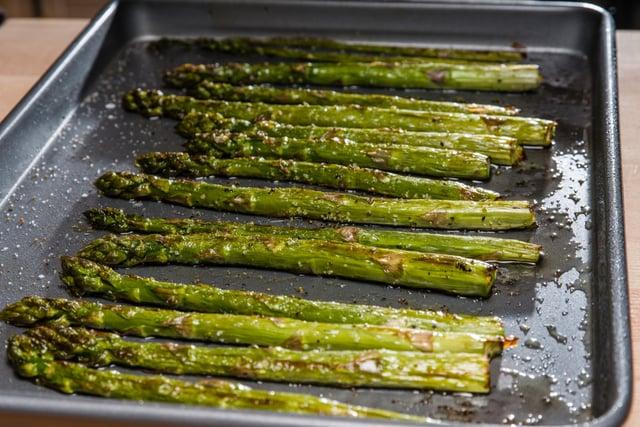 הכנת אספרגוס בתנור