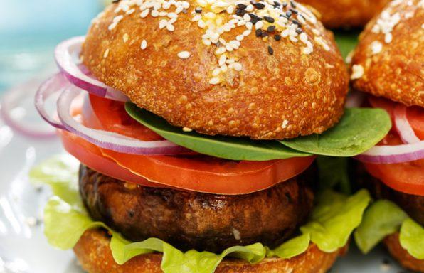 מתכון: מיני המבורגר פטריות צמחוני-טבעוני