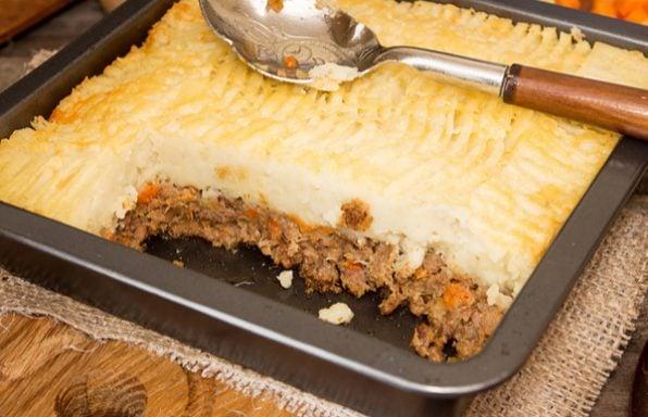 ארוחה בתבנית: מתכון לפאי רועים שתמיד מצליח