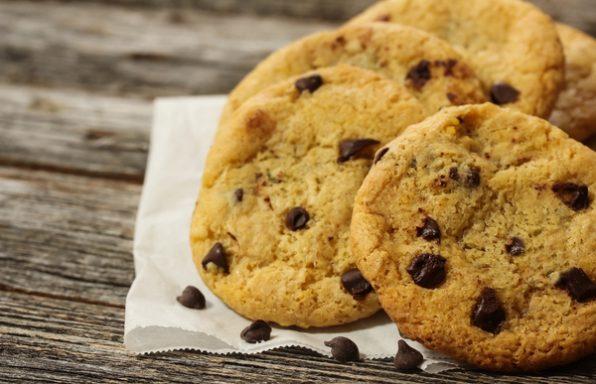 עוגיות שוקולד צ'יפס טבעוניות • מתכון בטוח