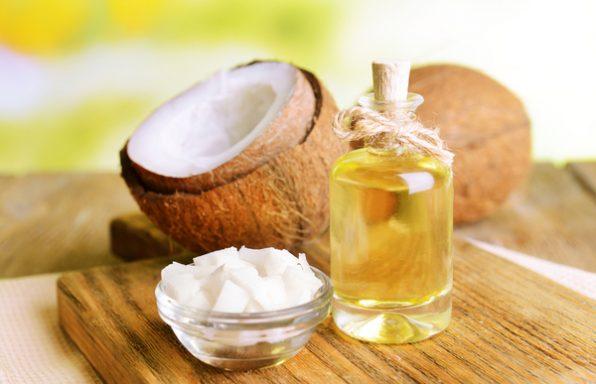 שמן קוקוס • לשיער, לפנים + שימושים ויתרונות בריאותיים
