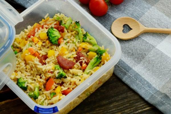 ארוחות צהריים לעבודה   תמונה: shutterstock