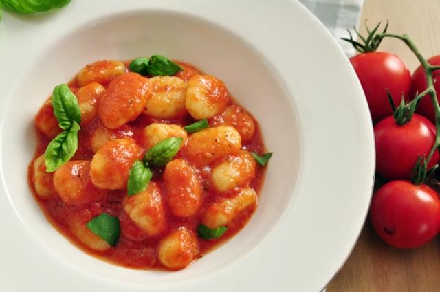 ניוקי ברוטב עגבניות ביתי | תמונה: shutterstock