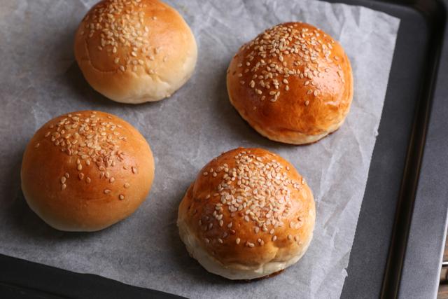 לחמניות המבורגר ביתיות | תמונה: Shutterstock
