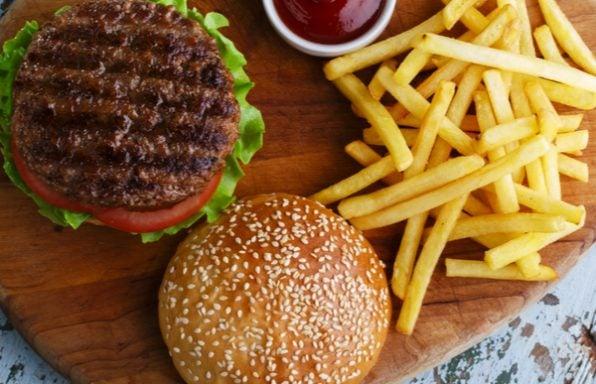 תפתיעו: ארוחת המבורגר ביתית כמו המקצוענים