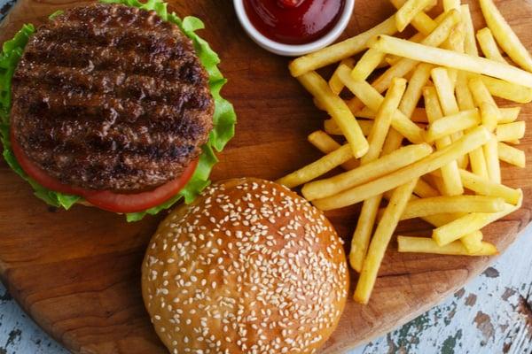 מתכונים לארוחת המבורגר | תמונה: shutterstock