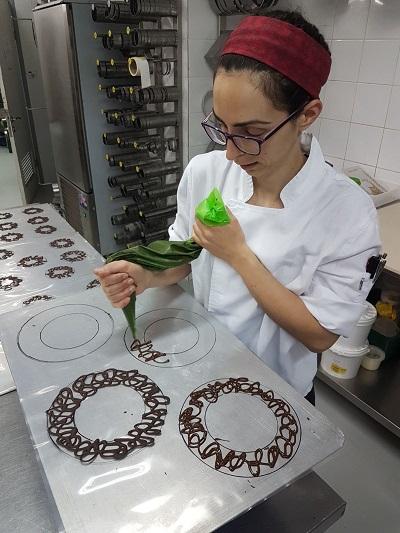 אפרת אלמוג, מנהלת מחלקת מוסים ושוקולדים
