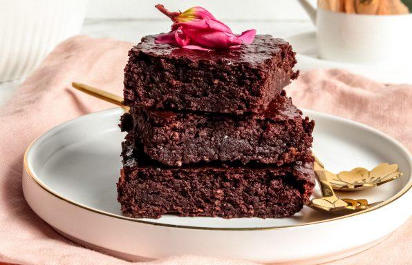 עוגת בראוניז טבעונית, בריאה וללא גלוטן!