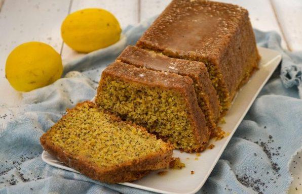 עוגת פרג ללא גלוטן (עסיסית במיוחד)