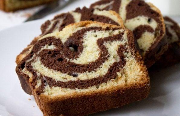 עוגת שיש בחושה ורכה ב-10 דקות עבודה