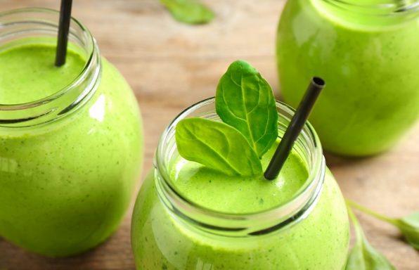 שייק ירוק • 3 מתכונים קלים לבוקר בריא